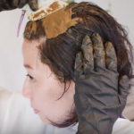 ハナヘナは、手で塗る?刷毛で塗る?自分でヘナ染めするときのポイント